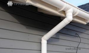 Преимущества и недостатки пластиковых водосточных систем
