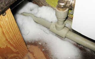 Как быстро разморозить пластиковые водопроводные трубы под землёй