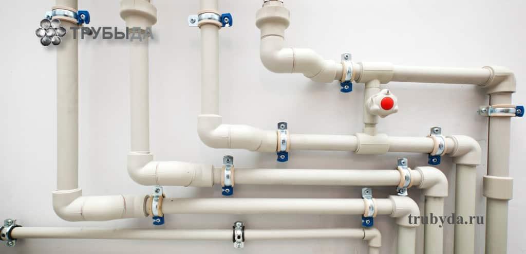 Различные пластиковые трубы для отопления